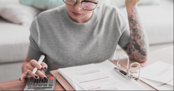 Como calcular os impostos de uma pequena empresa?